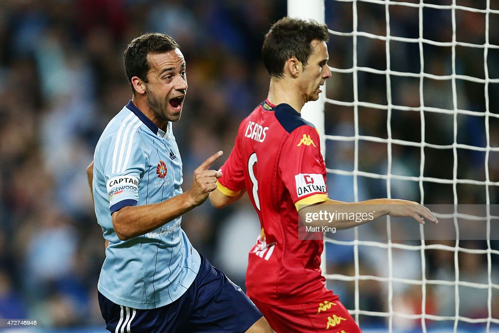 <a gi-track='captionPersonalityLinkClicked' href=/galleries/search?phrase=Alex+Brosque&family=editorial&specificpeople=235397 ng-click='$event.stopPropagation()'>Alex Brosque</a> of Sydney FC celebrates scoring the second goal during the A-League Semi Final match between Sydney FC and Adelaide United at Allianz Stadium on May 9, 2015 in Sydney, Australia.