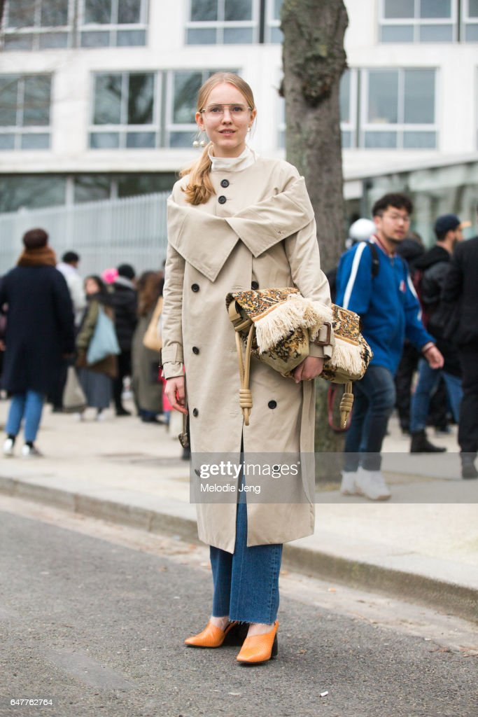 Alex Carl in Loewe outside the Loewe show on March 3, 2017 in Paris, France.