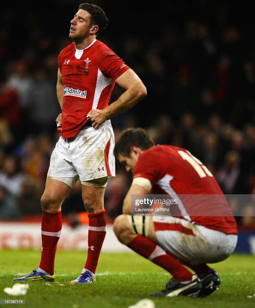 Alex Cuthbert and Ryan Jones of Wales show their dispair after losing in the final minute during the International match between Wales and Australia at Millennium Stadium on December 1, 2012 in Cardiff, Wales.