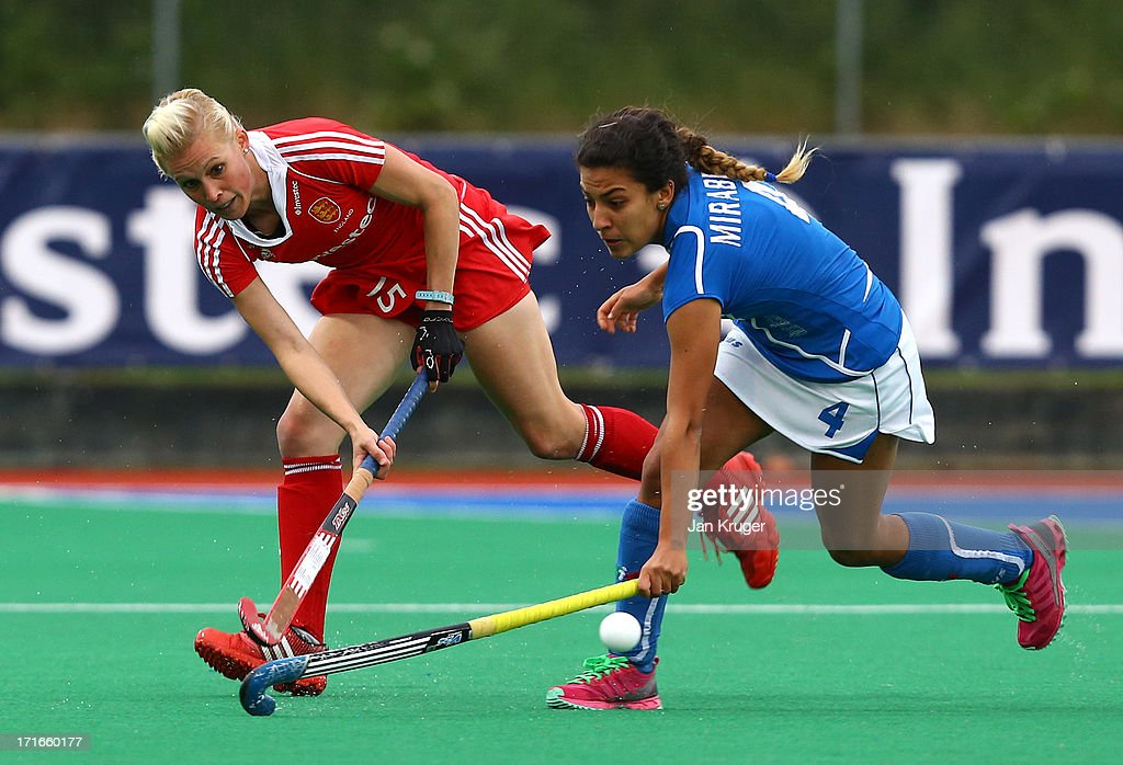<a gi-track='captionPersonalityLinkClicked' href=/galleries/search?phrase=Alex+Danson&family=editorial&specificpeople=3415241 ng-click='$event.stopPropagation()'>Alex Danson</a> (L) of England battles with Dalila Mirabella of Italy during the Investec Hockey World League quarterfinal match between England and Italy at the Quintin Hogg Memorial Sports Grounds on June 27, 2013 in London, England.