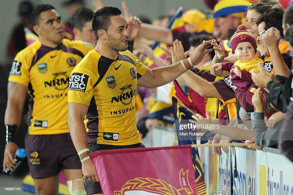 Alex Glenn of the Broncos thanks fans after the round five NRL match between the Gold Coast Titans and the Brisbane Broncos at Skilled Park on April 5, 2013 on the Gold Coast, Australia.