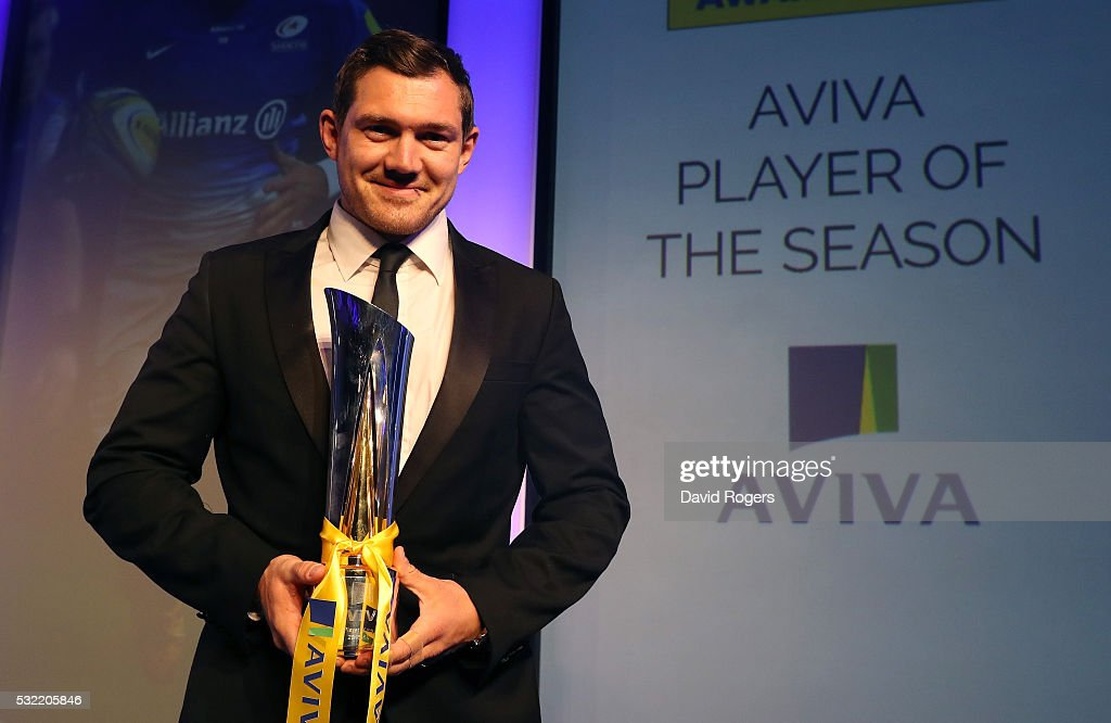 <a gi-track='captionPersonalityLinkClicked' href=/galleries/search?phrase=Alex+Goode&family=editorial&specificpeople=2060375 ng-click='$event.stopPropagation()'>Alex Goode</a> of Saracens poses after being presented with the Aviva Premiership Rugby Player of the Season award during the Aviva Premiership Rugby Awards at the Hilton Park Lane Hotel on May 18, 2016 in London, England.