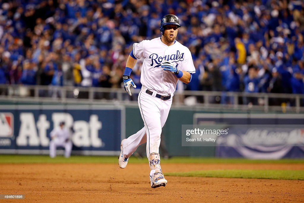 <a gi-track='captionPersonalityLinkClicked' href=/galleries/search?phrase=Alex+Gordon+-+Baseball&family=editorial&specificpeople=4494252 ng-click='$event.stopPropagation()'>Alex Gordon</a> #4 of the Kansas City Royals runs the bases after hitting a solo home run in the ninth inning against the New York Mets during Game One of the 2015 World Series at Kauffman Stadium on October 27, 2015 in Kansas City, Missouri.
