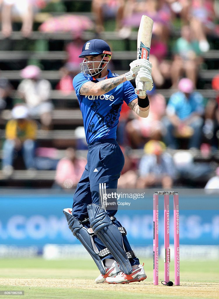 <a gi-track='captionPersonalityLinkClicked' href=/galleries/search?phrase=Alex+Hales&family=editorial&specificpeople=5129140 ng-click='$event.stopPropagation()'>Alex Hales</a> of England bats during the 4th Momentum ODI between South Africa and England at Bidvest Wanderers Stadium on February 12, 2016 in Johannesburg, South Africa.