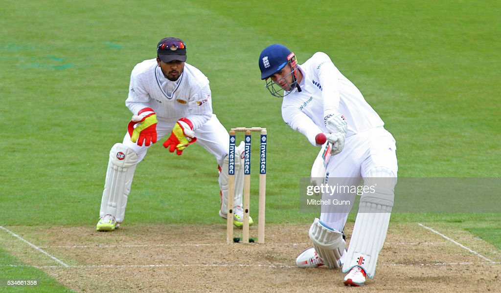 <a gi-track='captionPersonalityLinkClicked' href=/galleries/search?phrase=Alex+Hales&family=editorial&specificpeople=5129140 ng-click='$event.stopPropagation()'>Alex Hales</a> of England hits the ball for six runs during day one of the 2nd Investec Test match between England and Sri Lanka at Emirates Durham ICG on May 27, 2016 in Chester-le-Street, United Kingdom.