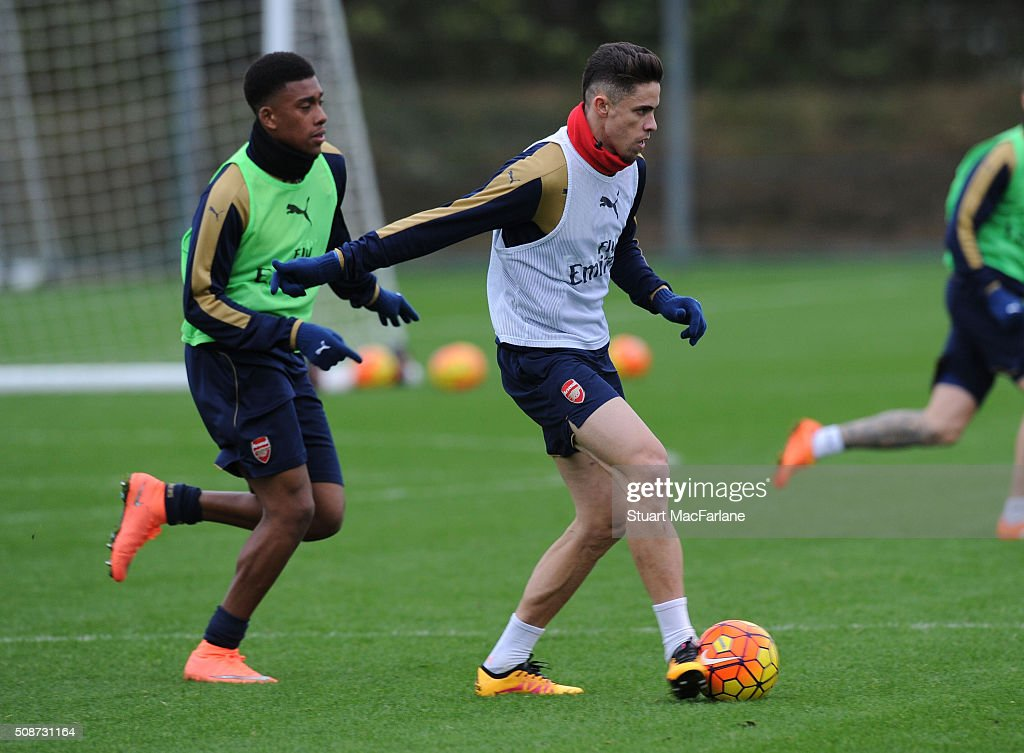 <a gi-track='captionPersonalityLinkClicked' href=/galleries/search?phrase=Alex+Iwobi&family=editorial&specificpeople=8574626 ng-click='$event.stopPropagation()'>Alex Iwobi</a> and Gabriel of Arsenal during a training session at London Colney on February 6, 2016 in St Albans, England.