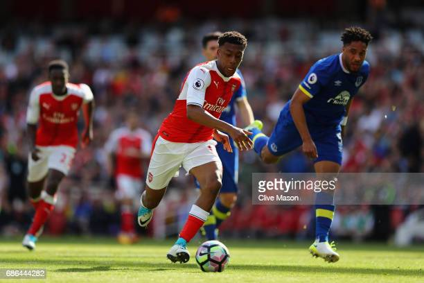 Alex Iwobi of Arsenal in action during the Premier League match between Arsenal and Everton at Emirates Stadium on May 21 2017 in London England