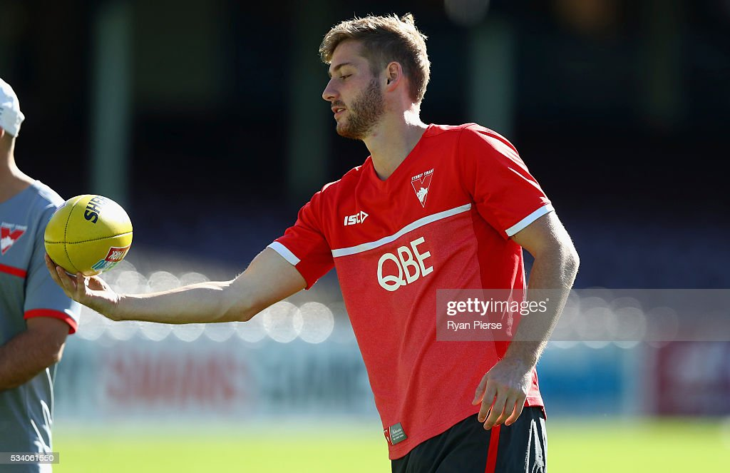 Alex Johnson of the Swans looks on during a Sydney Swans AFL training session at Sydney Cricket Ground on May 25, 2016 in Sydney, Australia.