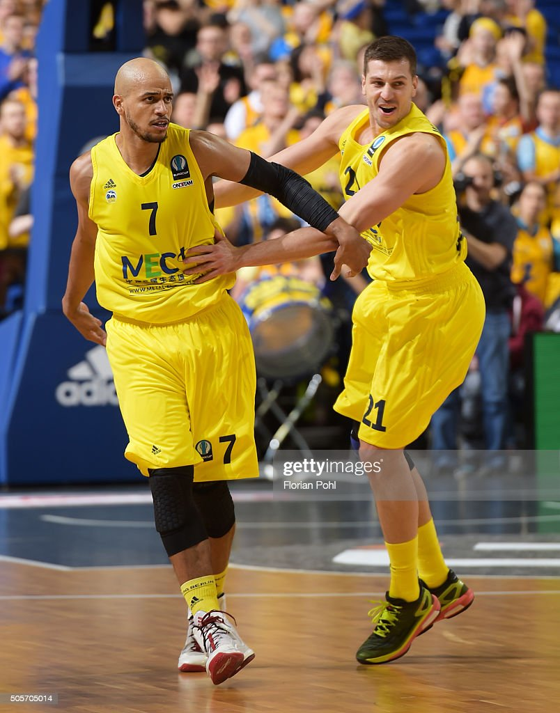 Alex King and Dragan Milosavijevic of Alba Berlin during the game between Alba Berlin and Aris Thessaloniki on january 19 2016 in Berlin Germany