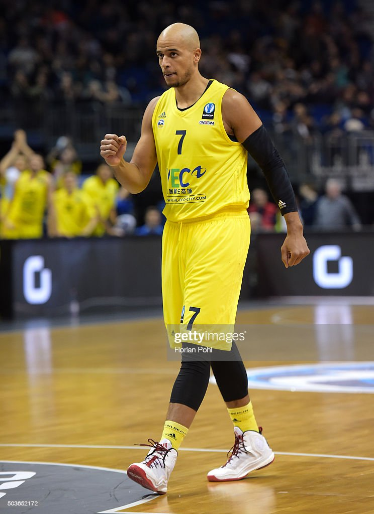 Alex King of ALBA Berlin during the game between Alba Berlin and Emporio Armani Mailand on january 6 2016 in Berlin Germany