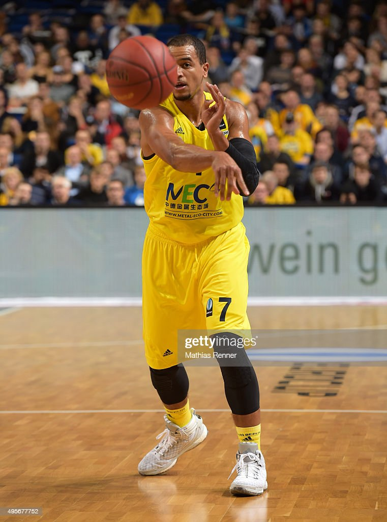Alex King of ALBA Berlin passes the ball during the game between Alba Berlin and Herbalife Gran Canaria on November 4 2015 in Berlin Germany