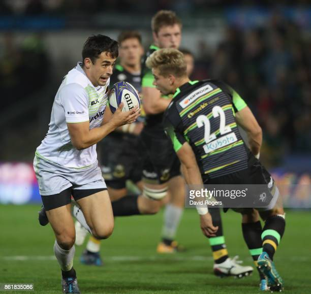 Alex Lozowski of Saracens breaks to score a try during the European Rugby Champions Cup match between Northampton Saints and Saracens at Franklin's...