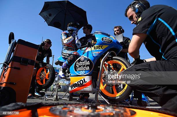 Alex Marquez of Spain and Estrella Galicia 00 prepares to start on the grid of the Moto3 race during the MotoGp Of France Race on May 18 2014 in Le...