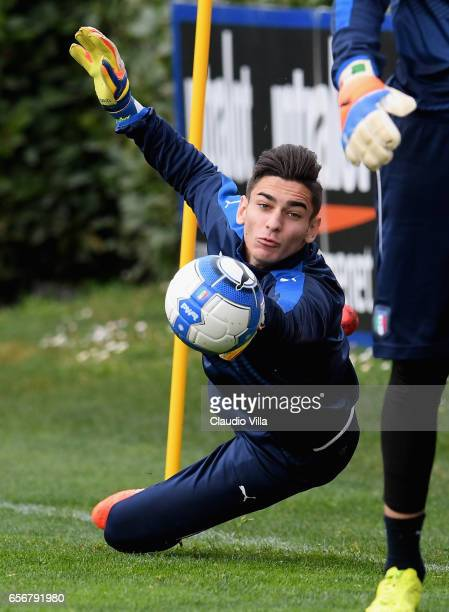 Alex Meret of Italy in action during the training session at the club's training ground at Coverciano on March 23 2017 in Florence Italy