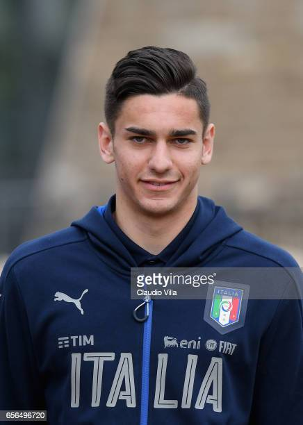 Alex Meret of Italy looks on prior to the training session at the club's training ground at Coverciano on March 22 2017 in Florence Italy