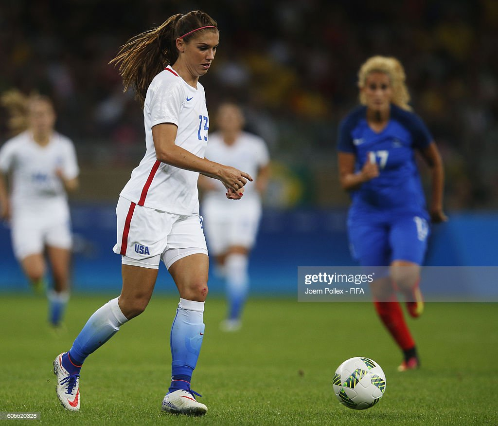 Alex Morgan of USA controls the ball during the Women's Group G match between USA and France on Day 1 of the Rio2016 Olympic Games at Mineirao Stadium on August 6, 2016 in Belo Horizonte, Brazil.