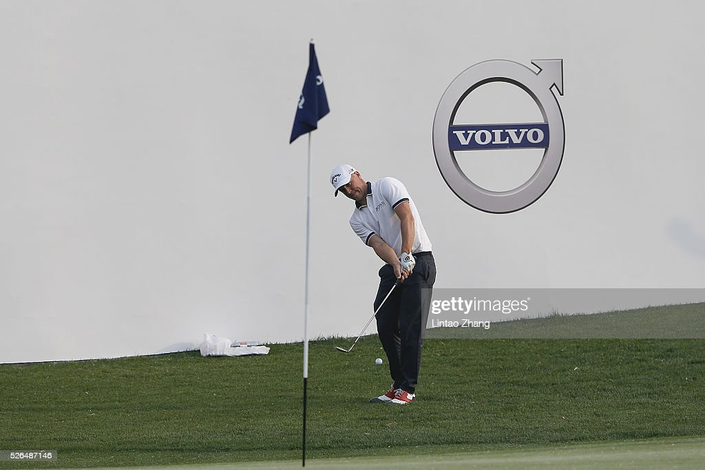 Alex Noren of Sweden plays a shot during the third round of the Volvo China open at Topwin Golf and Country Club on April 30, 2016 in Beijing, China. (Photo by Lintao Zhang/Getty Images)\