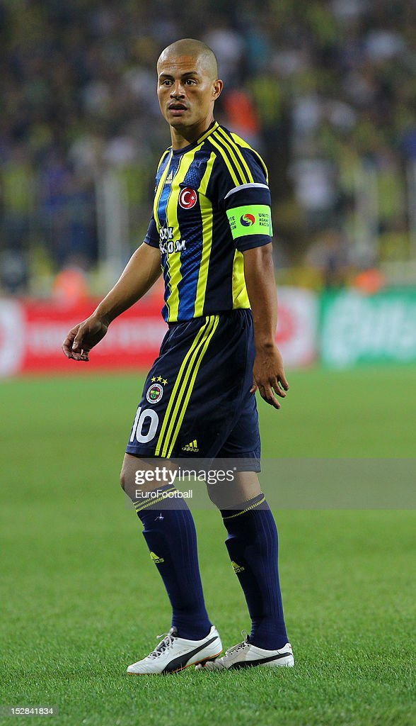 Alex of Fenerbahce SK in action during the UEFA Europa League group stage match between Fenerbahce SK and Olympique de Marseille on September 20, 2012 at Sukru Saracoglu in Istanbul, Turkey.