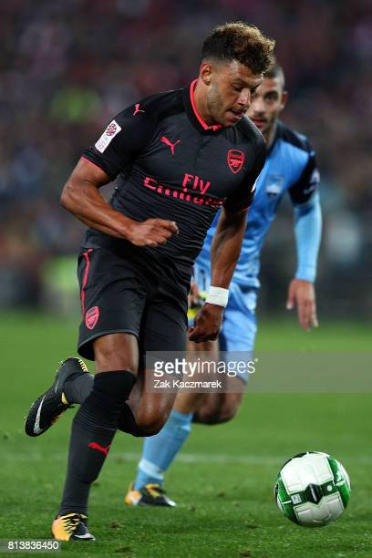 Alex OxladeChamberlain of Arsenal controls the ball during the match between Sydney FC and Arsenal FC at ANZ Stadium on July 13 2017 in Sydney...