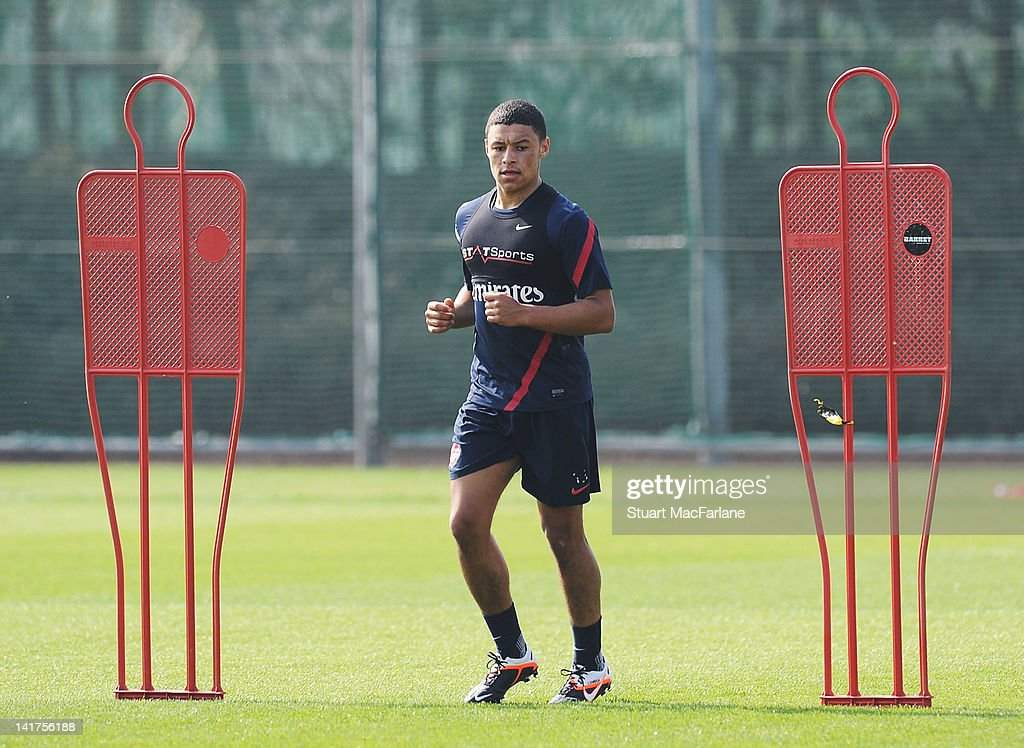 <a gi-track='captionPersonalityLinkClicked' href=/galleries/search?phrase=Alex+Oxlade-Chamberlain&family=editorial&specificpeople=7191518 ng-click='$event.stopPropagation()'>Alex Oxlade-Chamberlain</a> of Arsenal during a training session at London Colney on March 23, 2012 in St Albans, England.