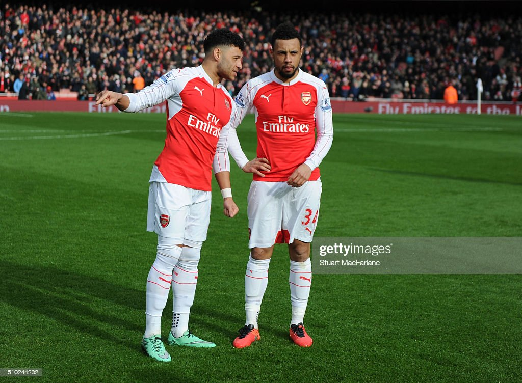 Alex Oxlade-Chamberlian and Francis Coquelin of Arsenal before the Barclays Premier League match between Arsenal and Leicester City at Emirates Stadium on February 14, 2016 in London, England.