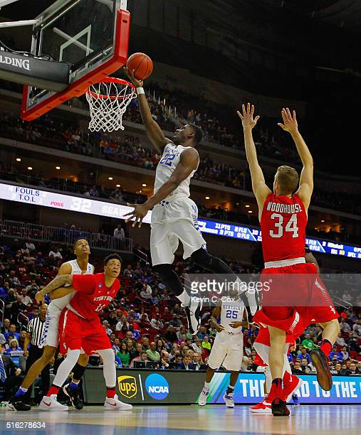 Alex Poythress of the Kentucky Wildcats shoots against the Stony Brook Seawolves in the second half during the first round of the 2016 NCAA Men's...