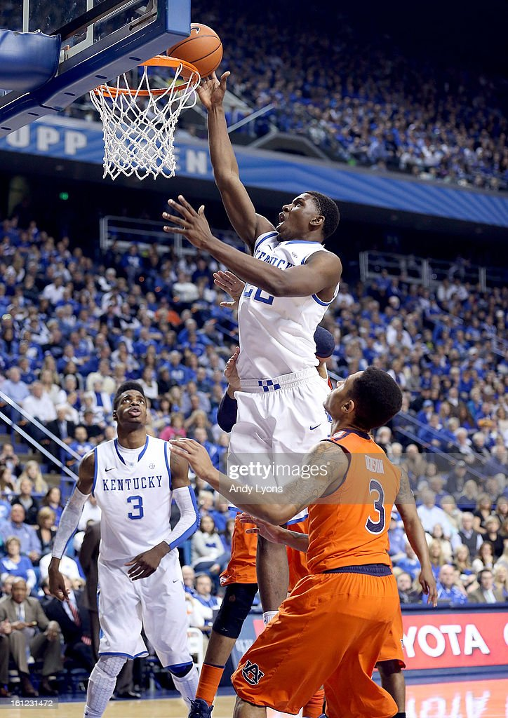 <a gi-track='captionPersonalityLinkClicked' href=/galleries/search?phrase=Alex+Poythress&family=editorial&specificpeople=7880790 ng-click='$event.stopPropagation()'>Alex Poythress</a> #22 of the Kentucky Wildcats shoots the ball during the game against the Auburn Tigers at Rupp Arena on February 9, 2013 in Lexington, Kentucky.