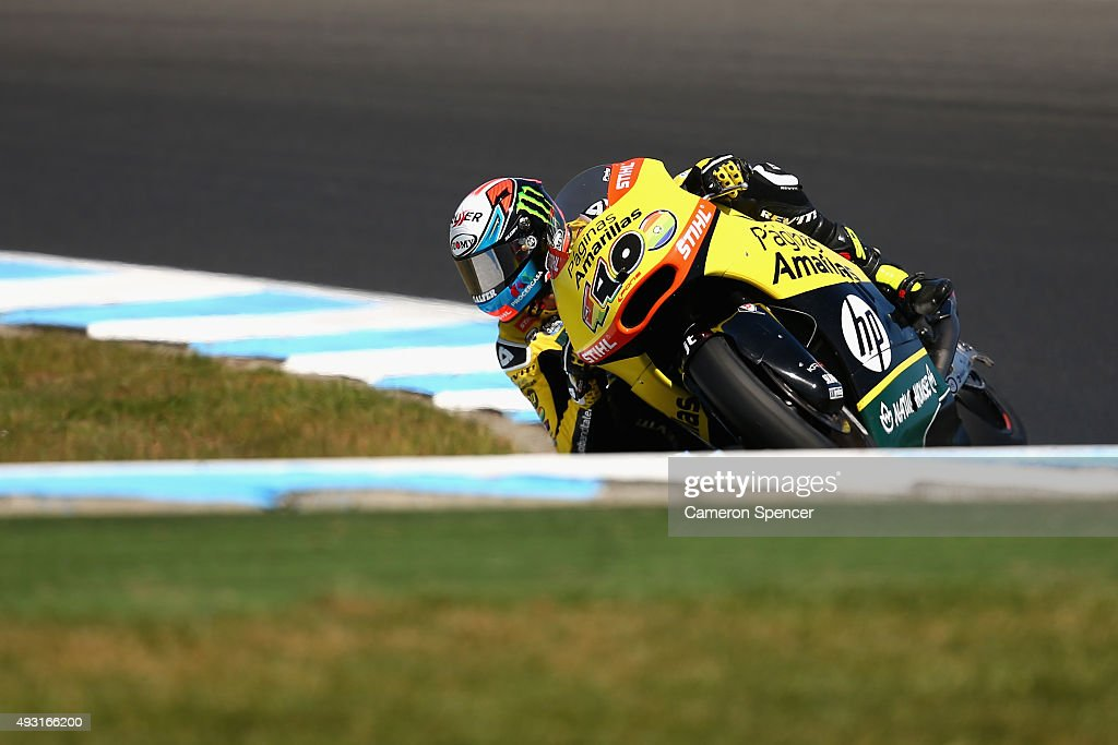 Alex Rins of Spain and Paginas Amarillas HP 40 rides during the Moto2 race during the 2015 MotoGP of Australia at Phillip Island Grand Prix Circuit on October 18, 2015 in Phillip Island, Australia.