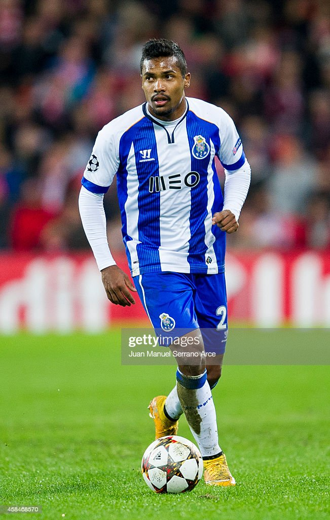 Alex Sandro of FC Porto controls the ball during the UEFA Champions League Group H match between Athletic Club and FC Porto at San Mames Stadium on November 5, 2014 in Bilbao, Spain.