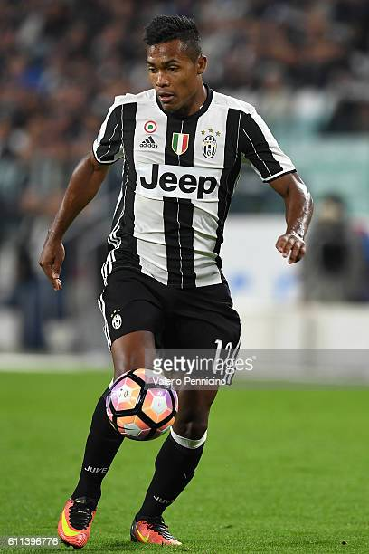 Alex Sandro of Juventus FC in action during the Serie A match between Juventus FC and Cagliari Calcio at Juventus Stadium on September 21 2016 in...