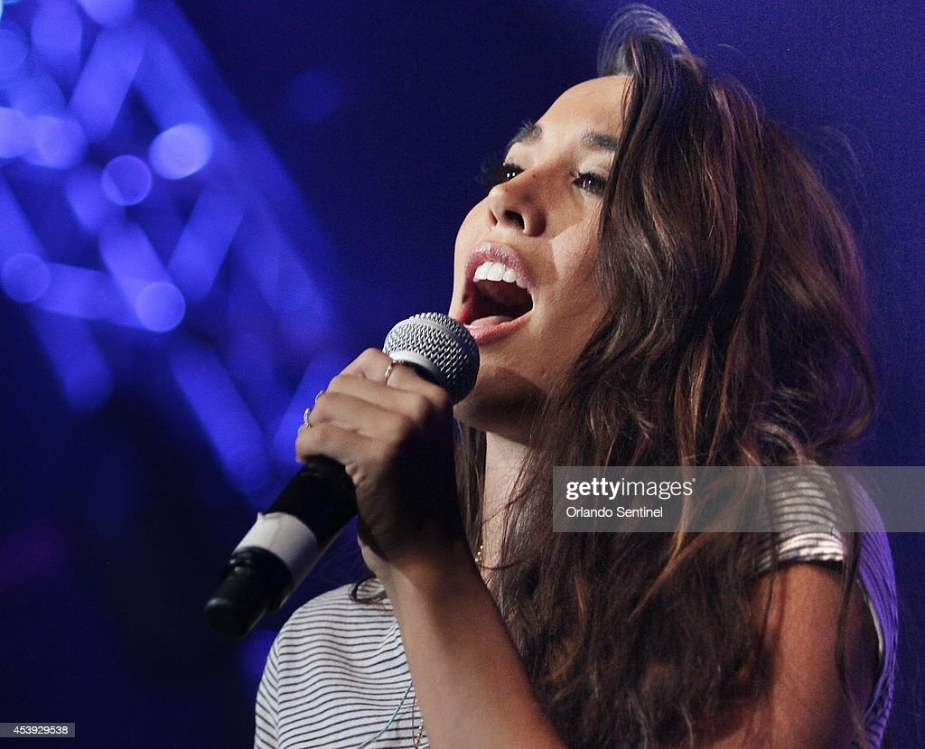 Alex & Sierra perform at the CFE Arena on the Univerisity of Central Florida campus in Orlando, Fla., on Thursday, Aug. 21, 2014. (Stephen M. Dowell/Orlando Sentinel)