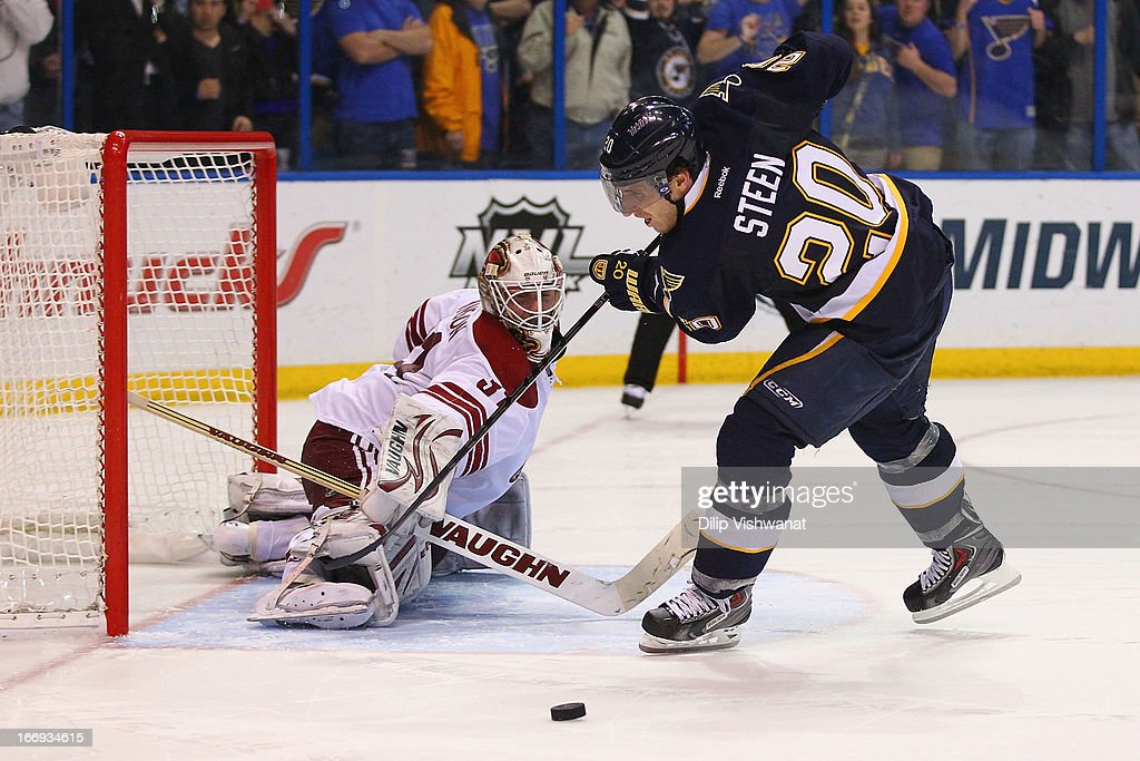 Alex Steen #20 of the St. Louis Blues misses a penalty shot against Chad Johnson #31 of the Phoenix Coyotes during the shoot out at the Scottrade Center on April 18, 2013 in St. Louis, Missouri. The Blues beat the Coyotes 2-1 in a shootout.