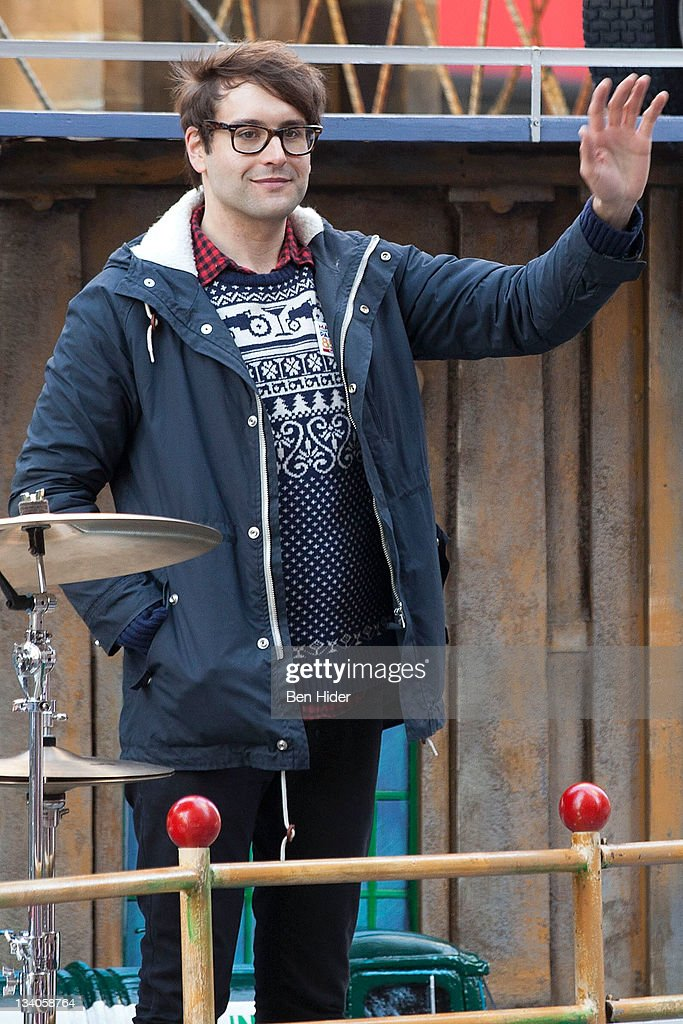<a gi-track='captionPersonalityLinkClicked' href=/galleries/search?phrase=Alex+Suarez&family=editorial&specificpeople=4364832 ng-click='$event.stopPropagation()'>Alex Suarez</a> of Cobra Starship attends the Macy's Legendary Thanksgiving Day Parade on November 24, 2011 in New York City.
