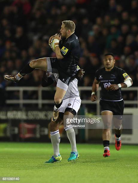 Alex Tait of Newcastle Falcons catches the ball during the Aviva Premiership match between Newcastle Falcons and Bath Rugby at Kingston Park on...