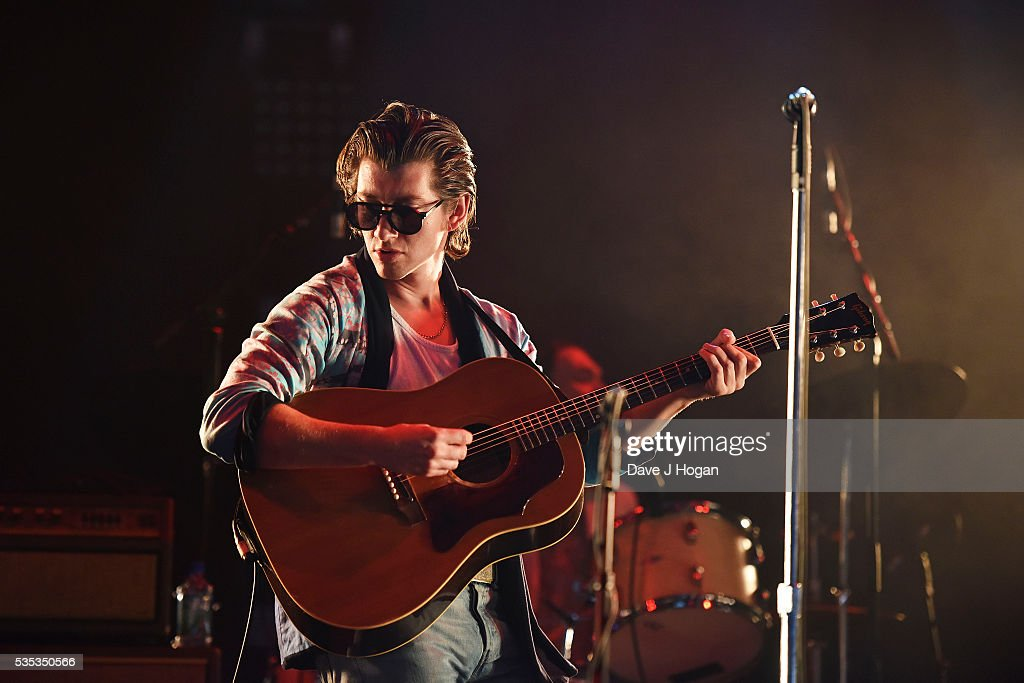 <a gi-track='captionPersonalityLinkClicked' href=/galleries/search?phrase=Alex+Turner&family=editorial&specificpeople=706618 ng-click='$event.stopPropagation()'>Alex Turner</a> of The Last Shadow Puppets performs during day 2 of BBC Radio 1's Big Weekend at Powderham Castle on May 29, 2016 in Exeter, England.