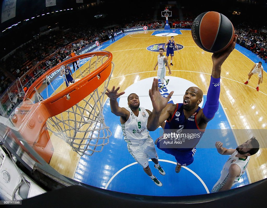 Alex Tyus #2 of Anadolu Efes Istanbul in action during the Turkish Airlines Euroleague Basketball Top 16 Round 3 game between Anadolu Efes Istanbul v...