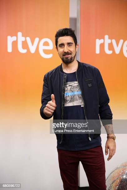 Alex Ubago attends the presentation of 'Fantastic Duo' Tv programme on May 8 2017 in Madrid Spain