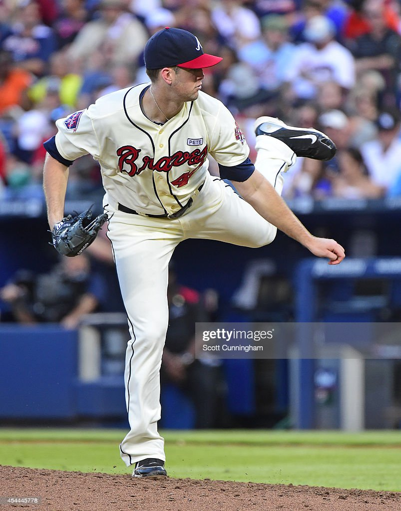 <a gi-track='captionPersonalityLinkClicked' href=/galleries/search?phrase=Alex+Wood+-+Baseball+Player&family=editorial&specificpeople=12544108 ng-click='$event.stopPropagation()'>Alex Wood</a> #40 of the Atlanta Braves throws a sixth inning pitch against the Miami Marlins at Turner Field on August 31, 2014 in Atlanta, Georgia.