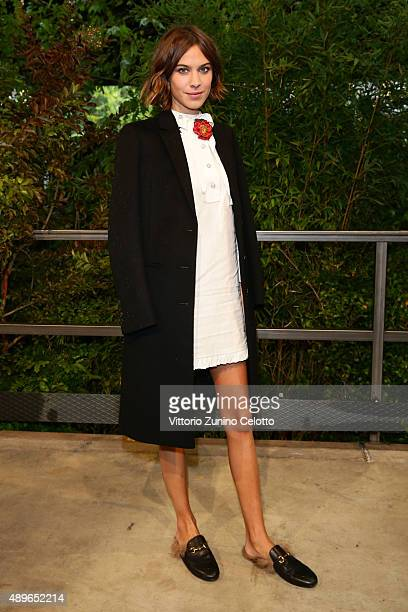 Alexa Chung arrives at the Gucci show during the Milan Fashion Week Spring/Summer 2016 on September 23 2015 in Milan Italy