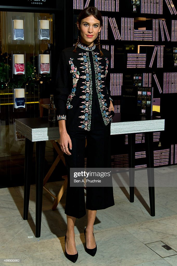 <a gi-track='captionPersonalityLinkClicked' href=/galleries/search?phrase=Alexa+Chung&family=editorial&specificpeople=3141821 ng-click='$event.stopPropagation()'>Alexa Chung</a> attends a photocall to launch Nails Inc: The Alexa Editions at Selfridges on November 20, 2014 in London, England.
