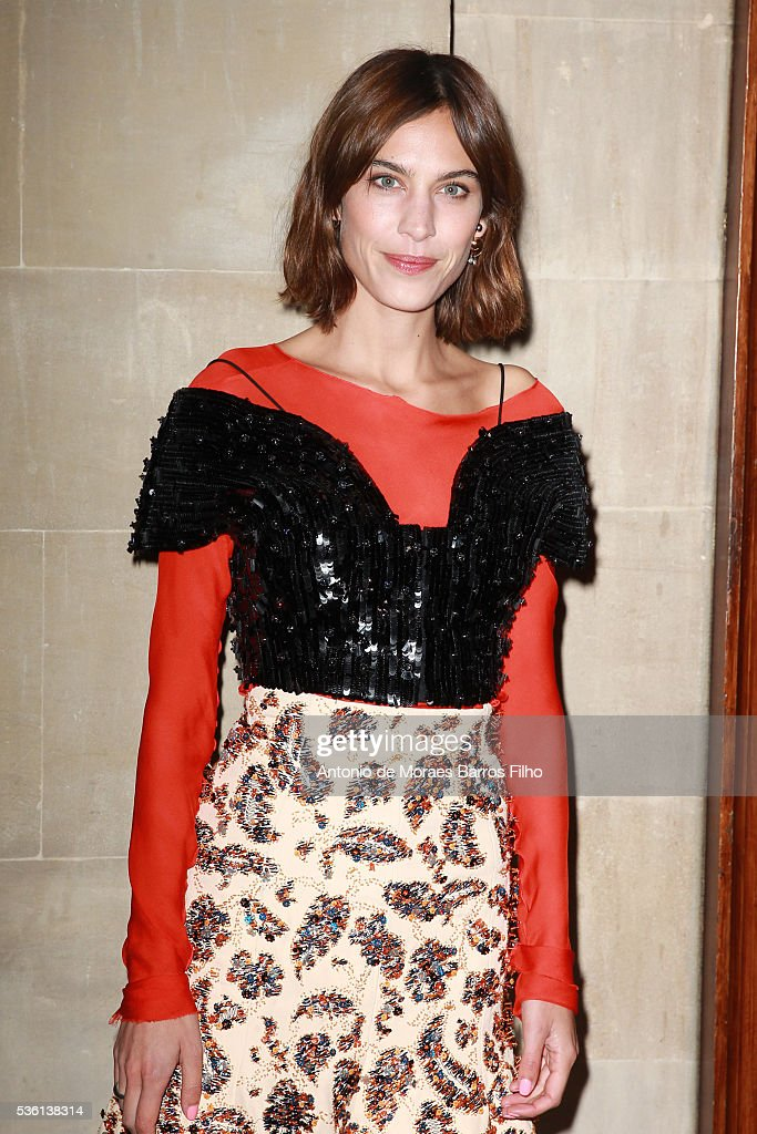 <a gi-track='captionPersonalityLinkClicked' href=/galleries/search?phrase=Alexa+Chung&family=editorial&specificpeople=3141821 ng-click='$event.stopPropagation()'>Alexa Chung</a> attends Christian Dior showcases its spring summer 2017 cruise collection at Blenheim Palace on May 31, 2016 in Woodstock, England.