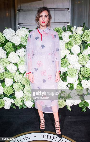 Alexa Chung attends the #BoF500 Gala Dinner during London Fashion Week Spring/Summer collections 2016/2017 on September 19 2016 in London United...