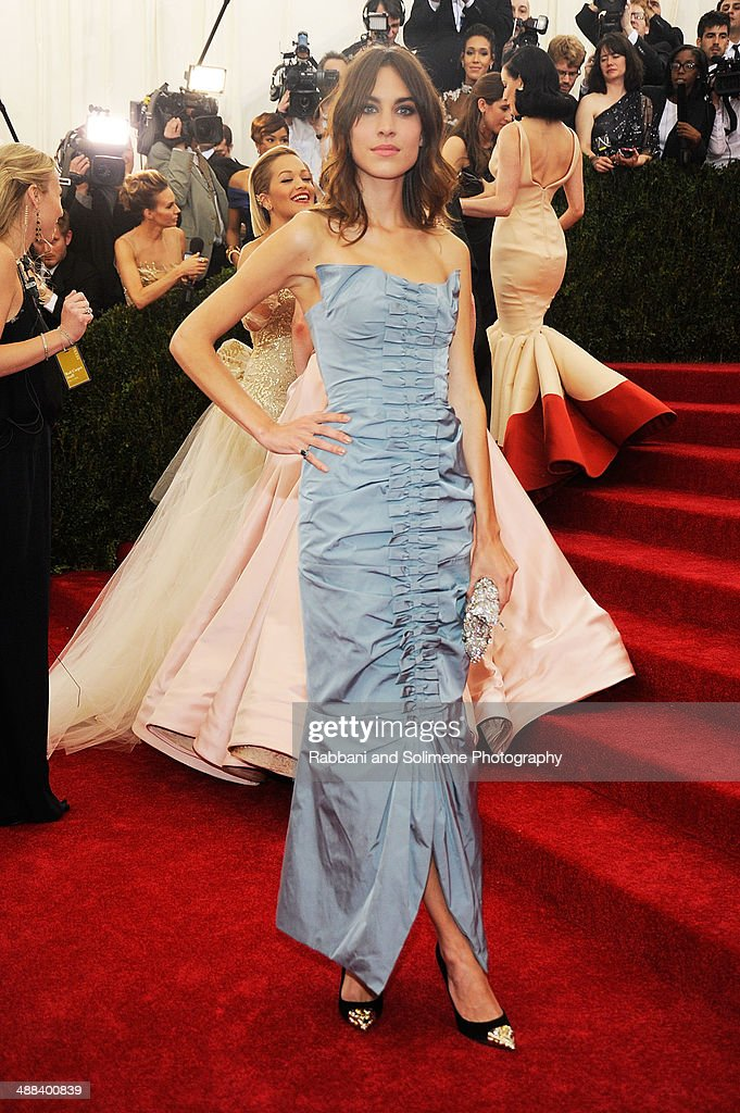 Alexa Chung attends the 'Charles James: Beyond Fashion' Costume Institute Gala>> at the Metropolitan Museum of Art on May 5, 2014 in New York City.