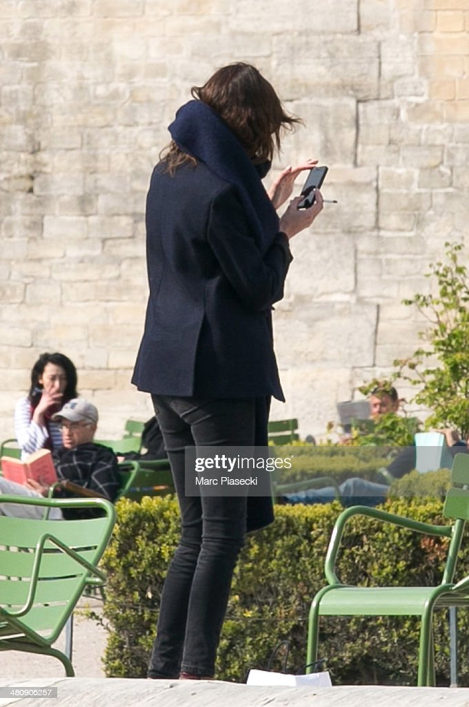 Alexa Chung is seen in the 'Jardins des Tuileries' on March 27, 2014 in Paris, France.