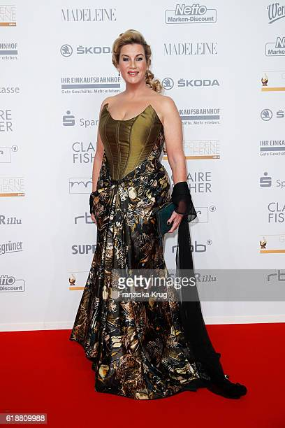 Alexa Maria Surholt attends the Goldene Henne on October 28 2016 in Leipzig Germany