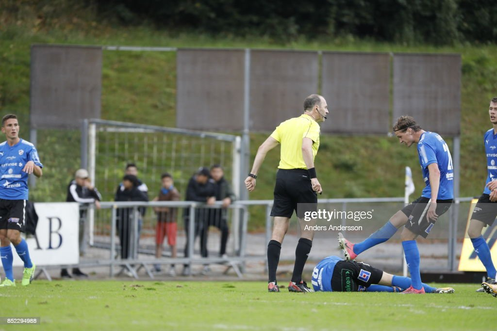 Alexander Berntsson of Halmstad BK argues with ref Jonas Eriksson after Gabriel Gudmundsson has been tackled at Orjans Vall on September 23, 2017 in Halmstad, Sweden.