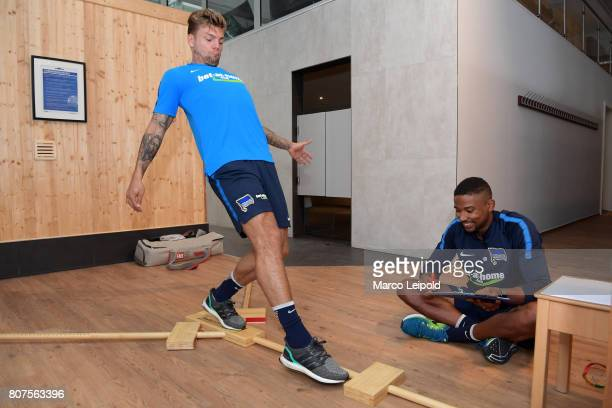Alexander Esswein and physiotherapist Frederick Syna of Hertha BSC during the performance diagnostics on july 4 2017 in Berlin Germany