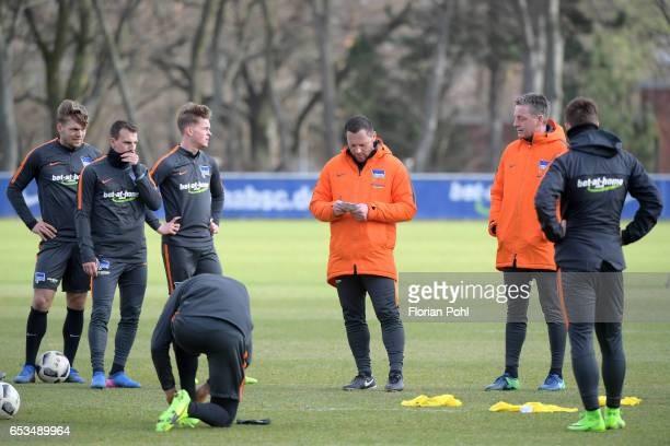 Alexander Esswein Vladimir Darida Maximilian Mittelstaedt Vedad Ibisevic coach Pal Dardai assistant coach Rainer Widmayer and Marvin Plattenhardt of...