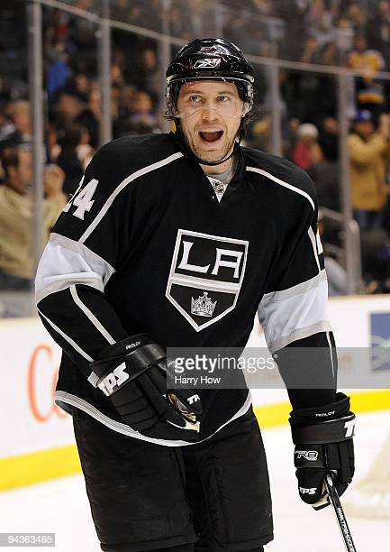 Alexander Frolov of the Los Angeles Kings celebrates his goal to tie the Dallas Stars 11 during the second period at the Staples Center on December...