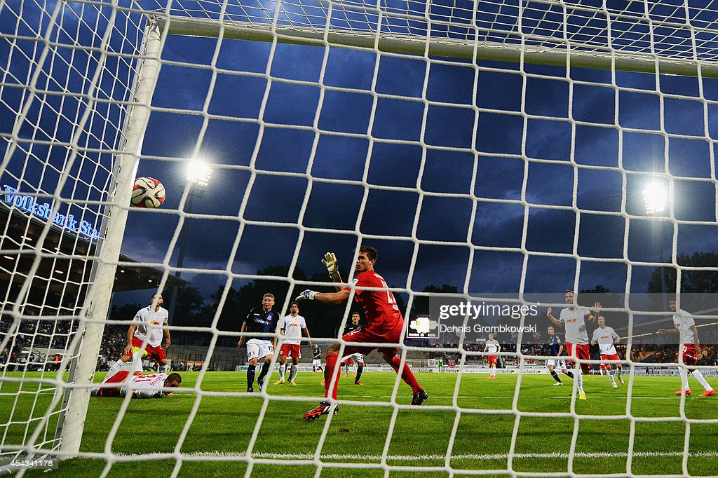 <a gi-track='captionPersonalityLinkClicked' href=/galleries/search?phrase=Alexander+Huber&family=editorial&specificpeople=746872 ng-click='$event.stopPropagation()'>Alexander Huber</a> of FSV Frankfurt misses a chance at goal as the ball hits the post during the Second Bundesliga match between FSV Frankfurt and RB Leipzig at Volksbank Stadion on August 29, 2014 in Frankfurt am Main, Germany.